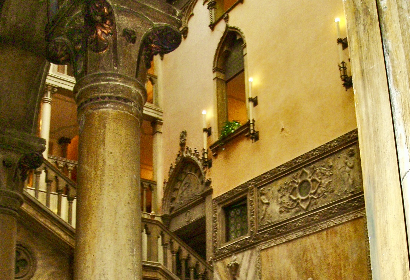 image of lobby at the Danieli Hotel in Venice