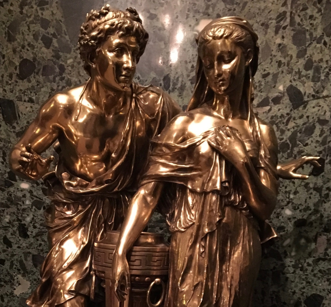 image of statue of couple taken at the Drake Hotel in Chicago